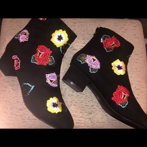 Betsey Johnson Black Floral Booties
